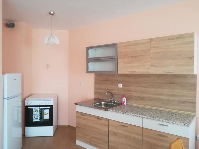 Нов двустаен апартамент в Суха река
