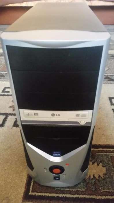 Desktop complet (unitate& accesorii fara monitor)