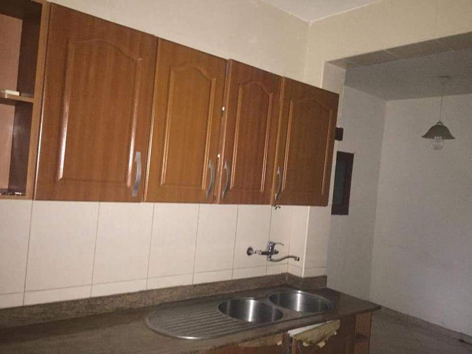 Vende se Apartamento do tipo 1 res de chão—Bairro alto Maé