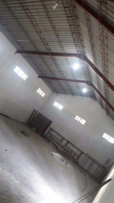 ALUGA-SE: 4 estabelecimentos em um só recinto!