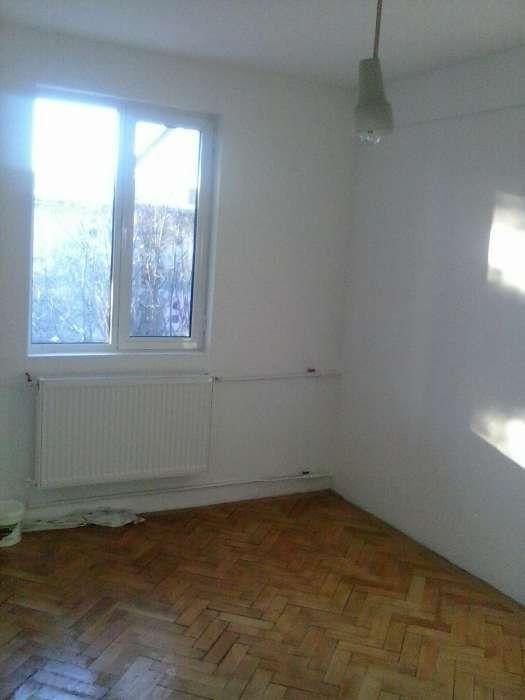 schimb apartament 2 camere decomandate cu unul similar