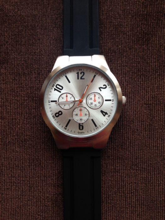 Часовник-чисто нов