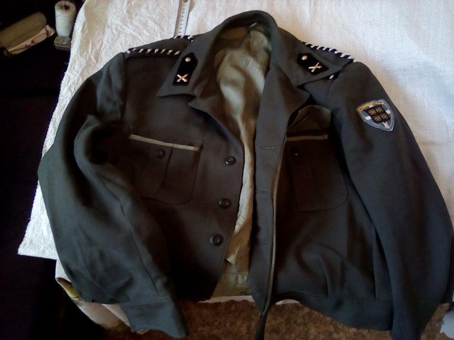 Чужда униформа нова