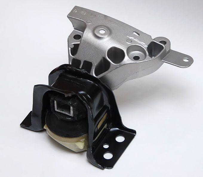Подушка (опора) двигателя и КПП Дастер Duster