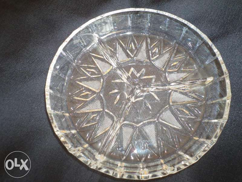 Плато за ордьоври кристал, диаметър - 19 см. с три деления