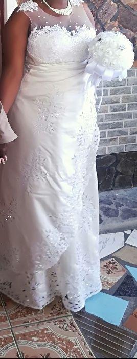Vende-se vestido de noiva