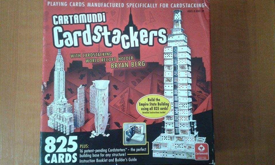 Joc de carti special (825 carti)