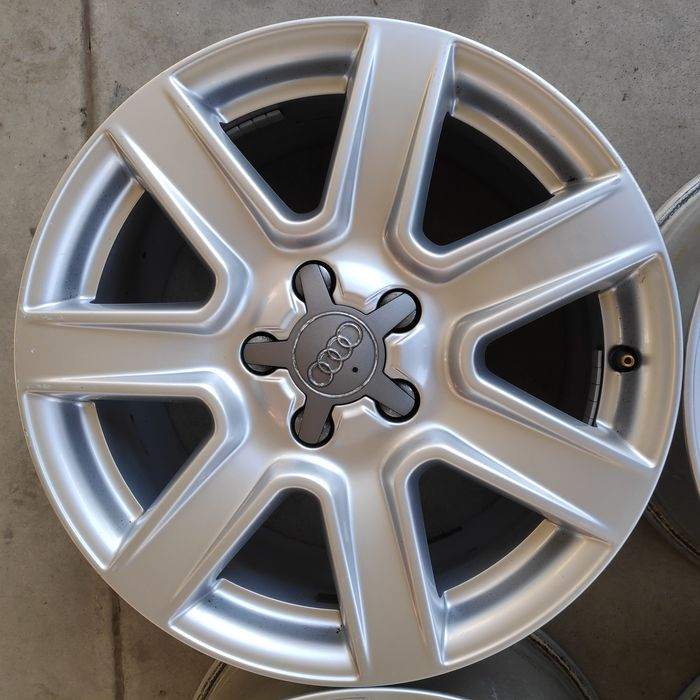 "Оригинални алуминиеви джанти за Ауди/Audi 17"""