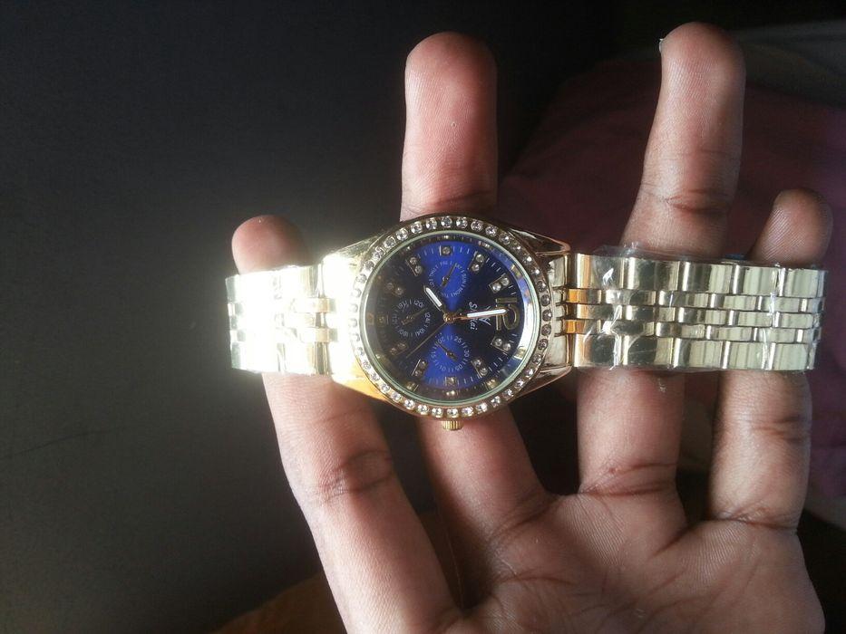 Relógio feminino&masculino - Novo e Original