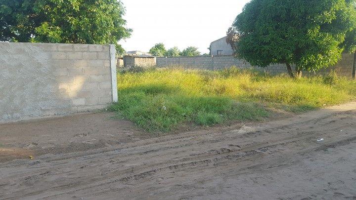 Vende-se, propriedade/terreno com Duat. Prox, a casa Jovem.