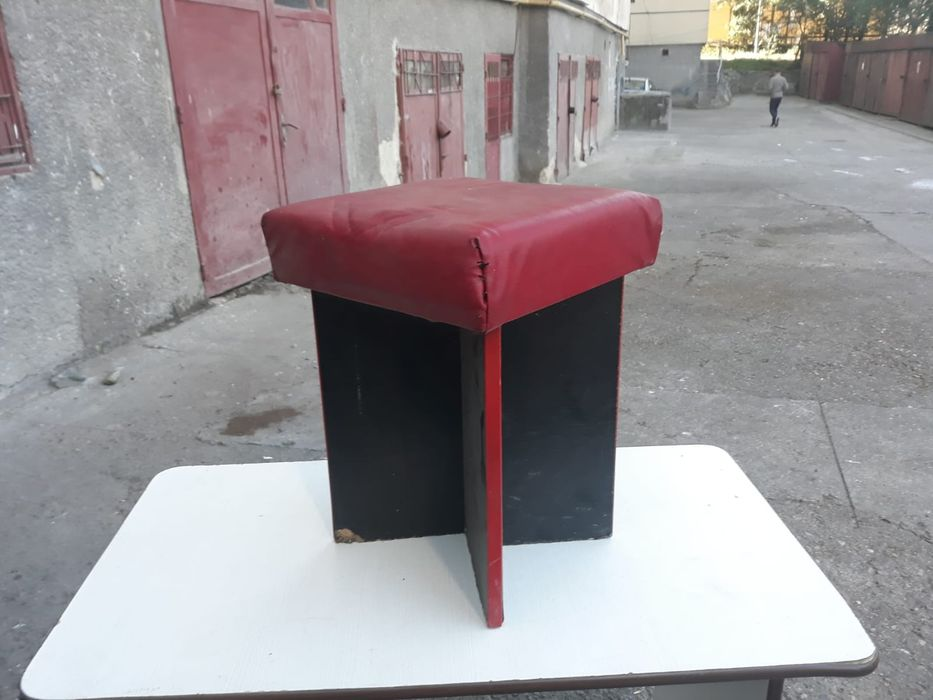 Vand set 4 tabureti/scaune+masa