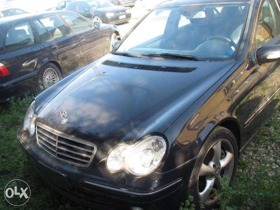 Dezmembrez Mercedes W203 2,2CDI Cod Motor 646 An.2005