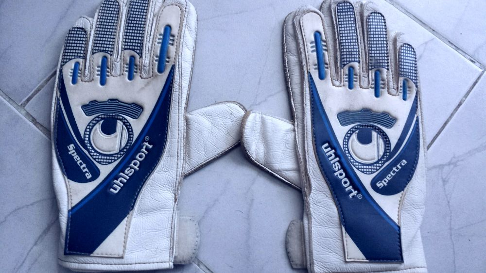 Вратарски ръкавици