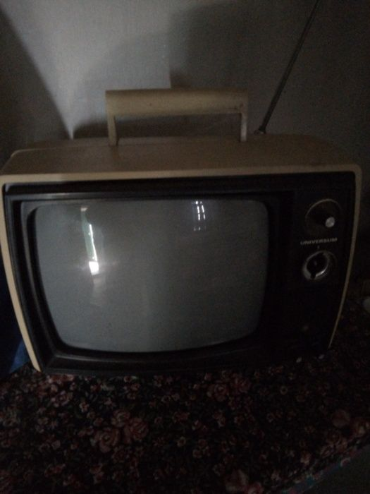 Телевизор Universum
