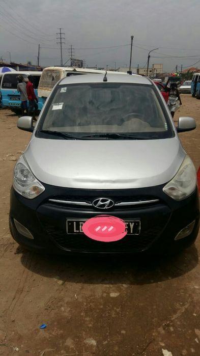 Hyundai i10, 1. 0 disponível a bom preço
