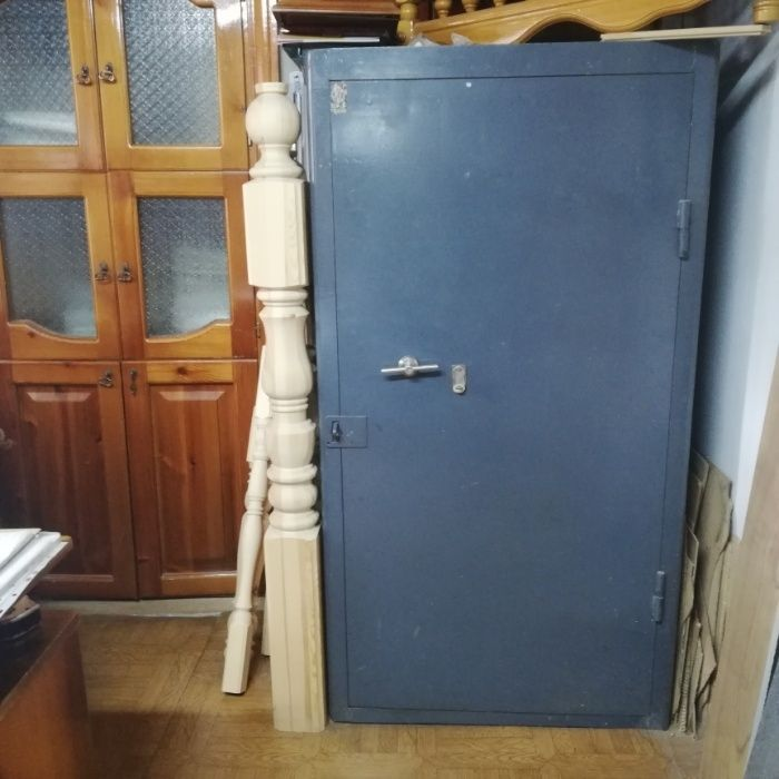 Продам шкафы (сейфы) металлические