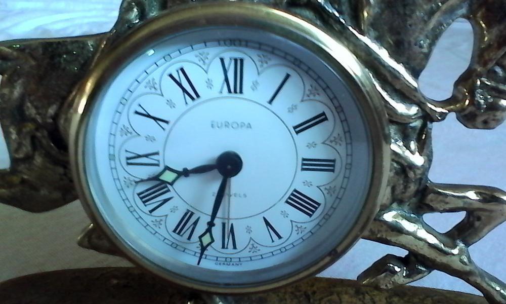 "vand ceas de masa ""EUROPA"" mecanic"