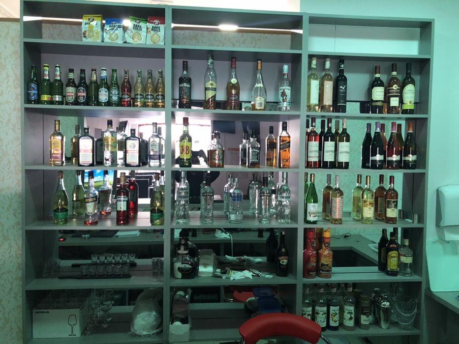 Bar ( rafturi + mobilier )
