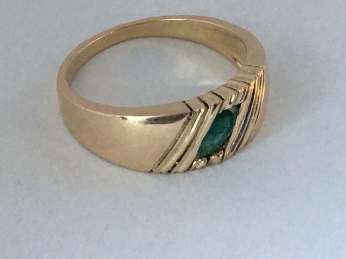 Inel de aur cu smarald