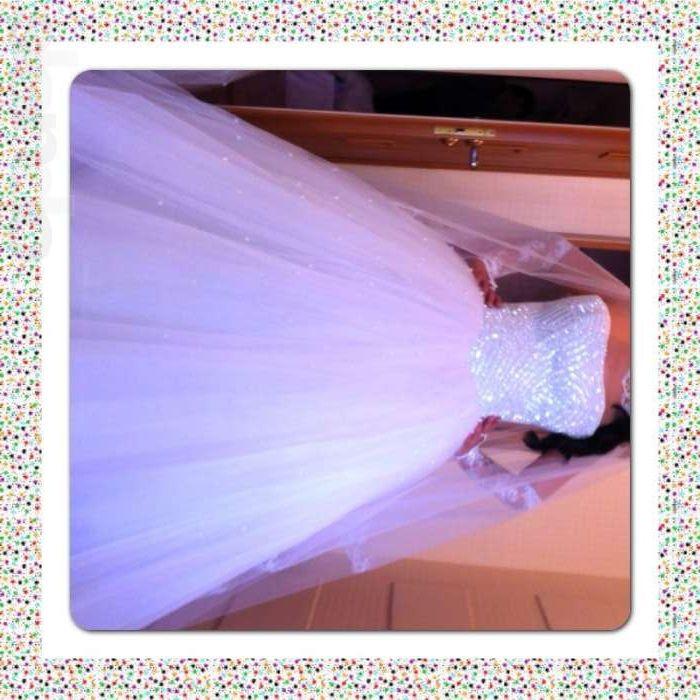 Свадебное платье шикарное белое