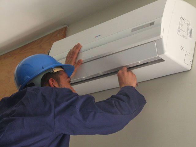 Montagem de aparelho de ar condicionado promocao