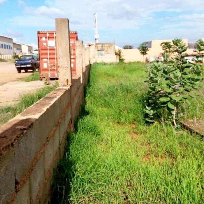 Vendemos Terreno de 2 Hectares no Huambo - Caala Zona São Pedro