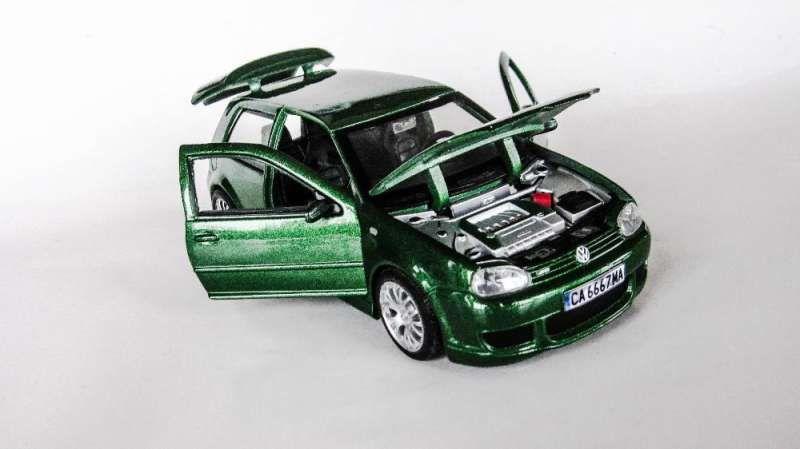 Умалени модели на VW Golf 4 в мащаб 1/24 по поръчка! гр. София - image 4