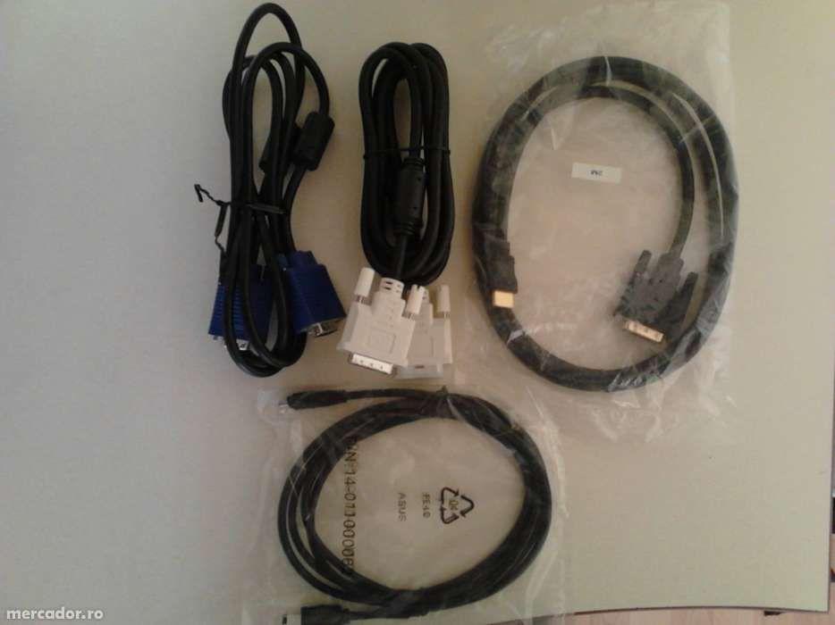 Vand diverse cabluri - VGA< Firewire<IEE1394