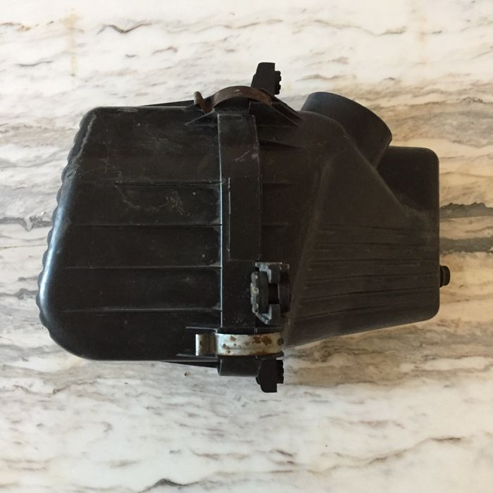 Кутия за въздушен филтър Сузуки Гранд Витара/ Suzuki Grand Vitara 1.9