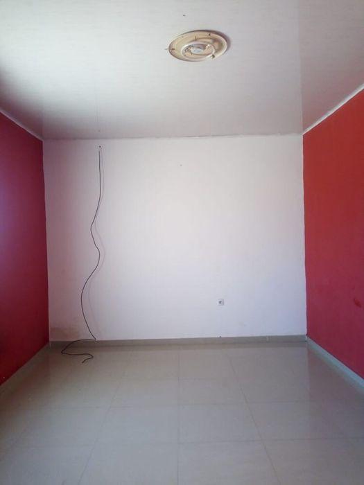 Arrendamos Está Linda Casa Com Quintal Pra 8 ViaturasT3 Morro Bento