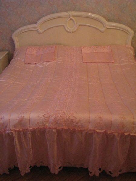 Покрывало-одеяло с наволочками производства Испании
