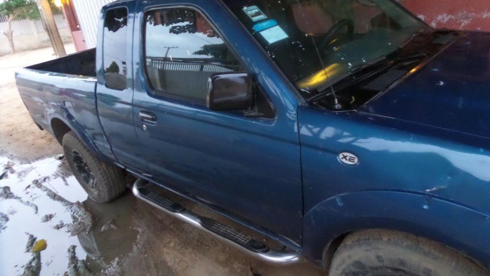 Vendo Nissan Hardbody diesel Frontier cabking