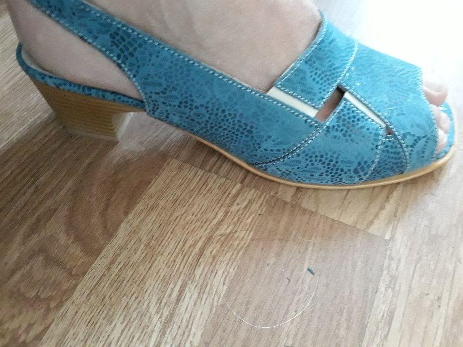 Дамски елегантни сандали, нови 39 размер, но отговарят на 38