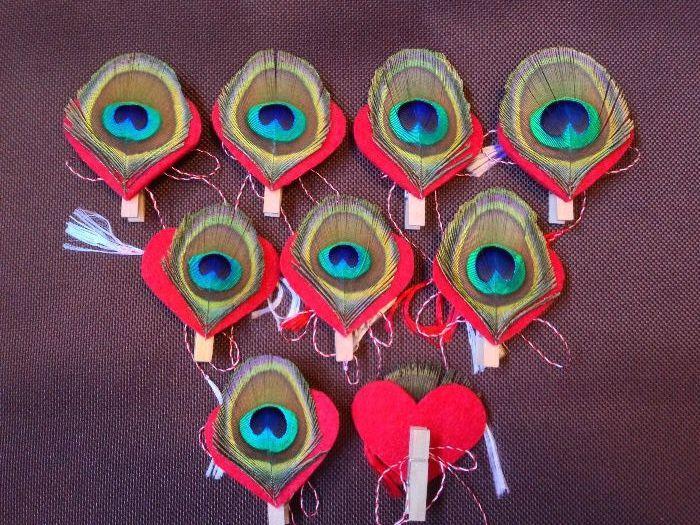 Martisoare brosa pene paun- Dovezi de iubire de Dragobete, Valentine