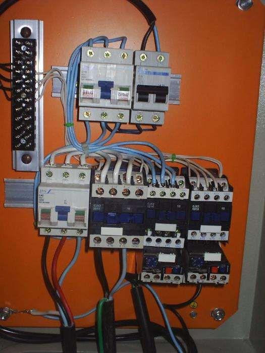 Electricista trabalhador