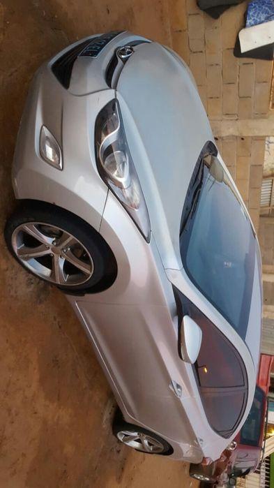 Hyundai Elantra, tudo funciona.