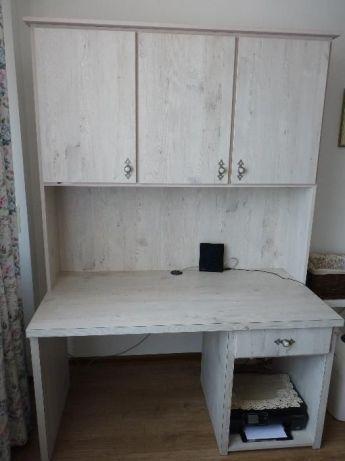 Бяло бюро с надстройка - много солидно,почти ново и в отлично състояни