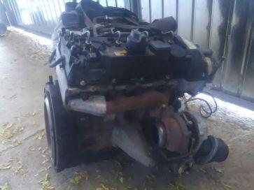 Dezmembrez Mercedes e 220