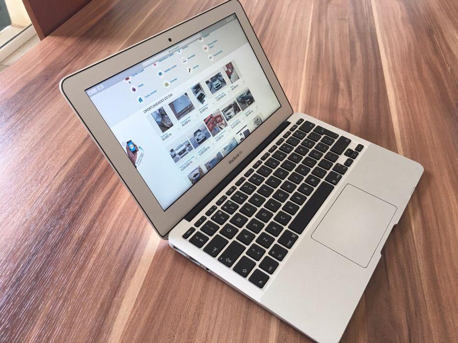 MacBook Air 11 com rato e carregador excelente estado