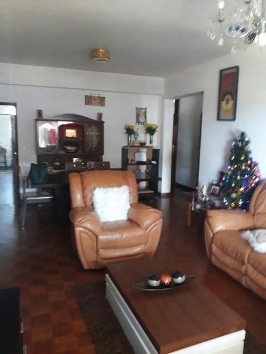 VENDE-SE apartamento T3 pronto a habitar com 2 wcs na Rua da França
