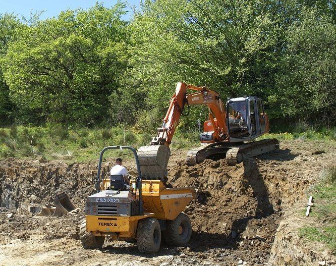 Inchirieri utilaje, dumper,excavator,utilaje constructii diferite