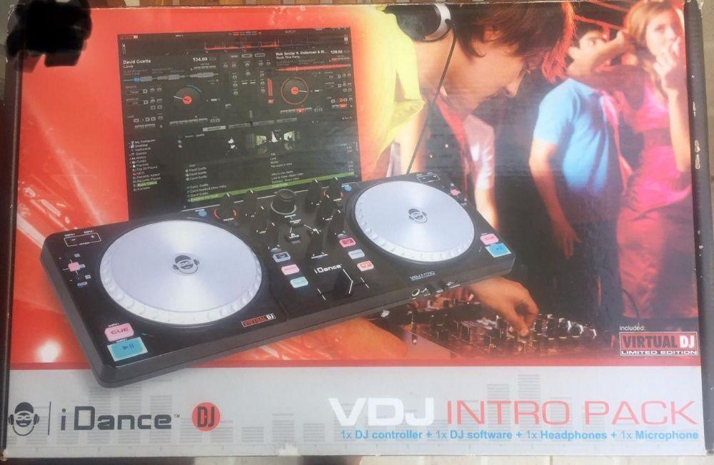 1 DJ Controller + 1 Dj Software + 1 Headphones + 1 Microphone
