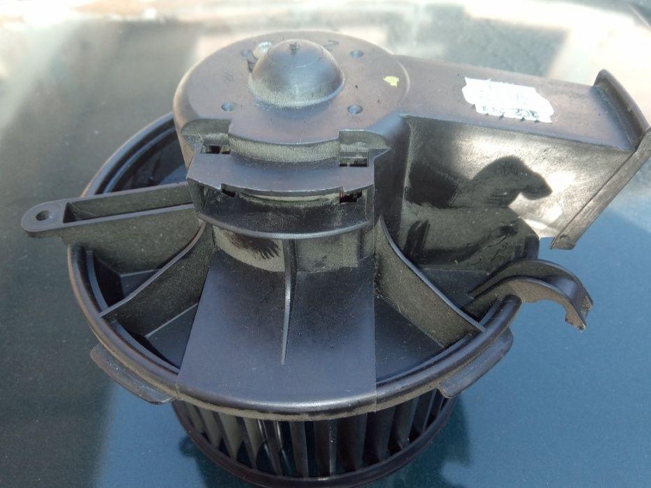 Моторче-вентилатор парно за Пежо-206