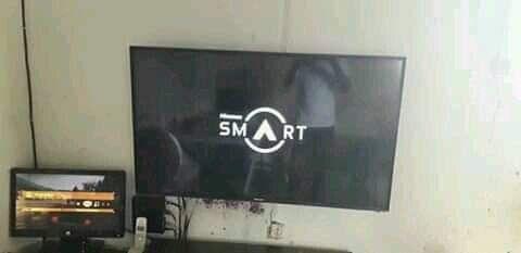 Smart Tv hisense 50 polegadas quase nova