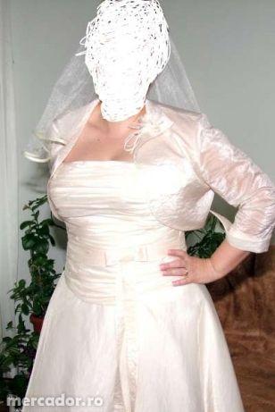 rochie de mireasa culoarea sampaniei, simpla si eleganta