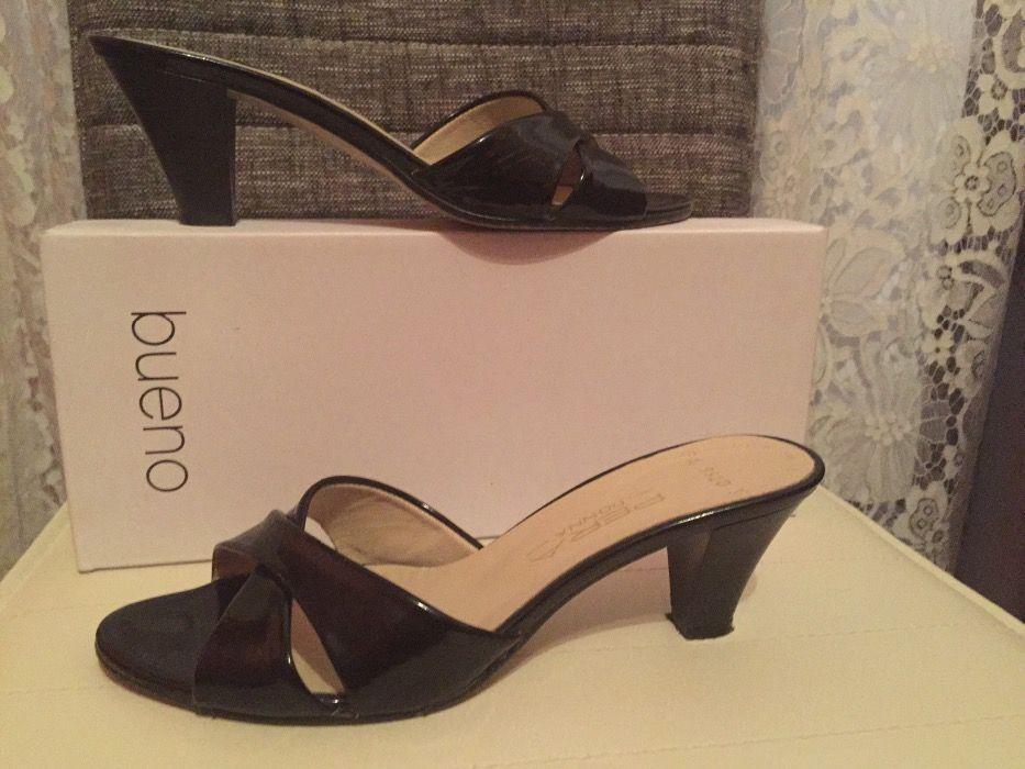 Черни чехли с малък ток