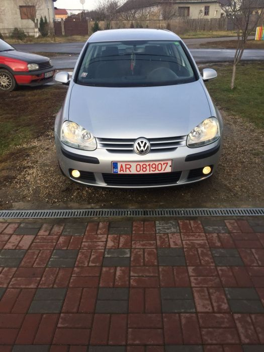 Dezmembrez Volkswagen Golf 5 1.6 Fsi
