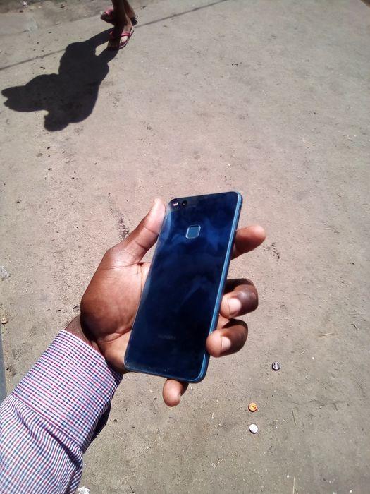 Huawei p10 lite com rachinha