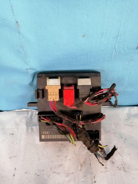Vand calculator lumini xenon Audi A4 1.9 tdi (2002), cod 8E0907279E