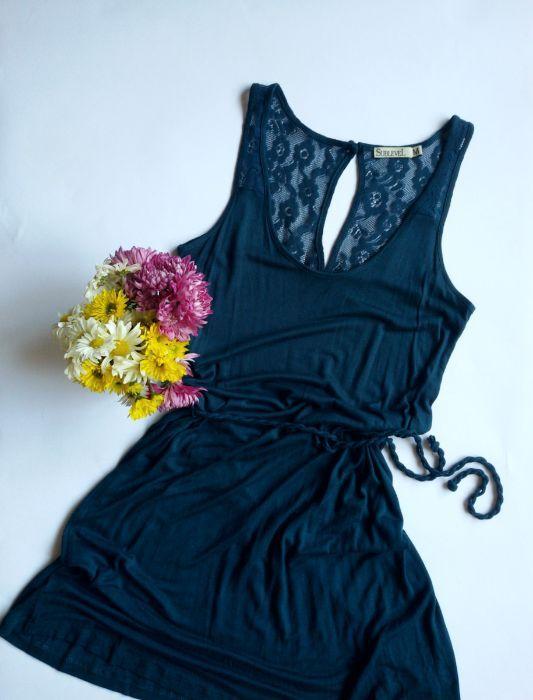 рокля с дантела на гърба и коланче туника размер с м s m НАМАЛЕНА